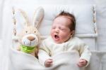 Naponta átlagosan 5,1 órát alszanak a kisgyermekes szülők