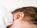 Könnyfakasztó videó: a baba hallókészüléket kap