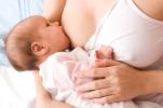 A szoptatás segíti az egészséges bélflóra kialakulását