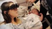 Videó: a vak édesanya először látja újszülött kisfiát