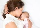 A simogatás fejleszti a babákat