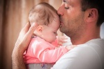 Így mondott köszönetet feleségének egy édesapa