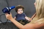 Óriási hajjal született a baba!