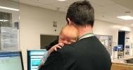Csak a sürgősségi orvos tudta megnyugtatni a babát